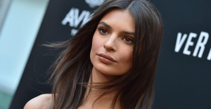 Emily Ratajkowski Steals Hearts Away With Her Perfect Summer Look