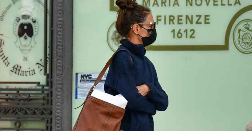 Katie Holmes Face Mask Is Trending Among Other Celebs Too